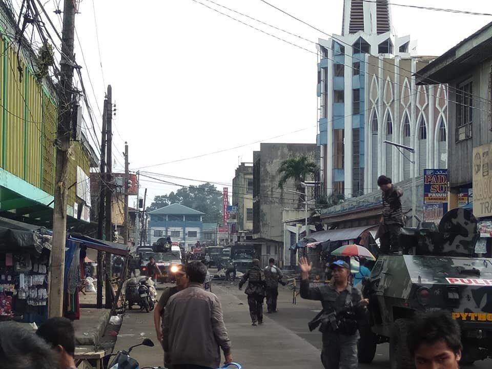 菲律宾南部一所教堂发生连环爆炸 至少15人死亡46人受伤